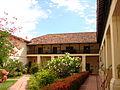 Jardín central de la alcaldía de Santa Fe de Antioquia.JPG