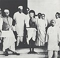 Jawaharlal Nehru with Mahatma Gandhi in Bombay, 1939.jpg