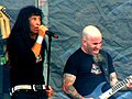 Joey Belladonna & Scott Ian (8167204756).jpg
