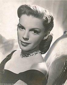 Judy Garland MGM publicity photo.jpg