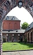 Kölner-Kartause-Klostergarten-Kreuzgang-Kapitelhaus