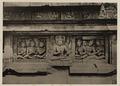 KITLV 40058 - Kassian Céphas - Reliefs on the terrace of the Shiva temple of Prambanan near Yogyakarta - 1889-1890.tif