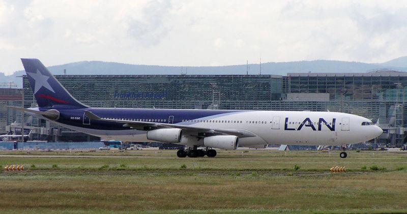File:LAN AL A340-300X CC-CQC.jpg