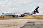 LATAM Brasil, PR-XTD, Airbus A350-941 (30334972697).jpg