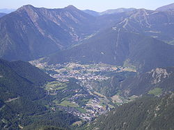 The towns of La Massana and اوردینو (in the foreground)  viewed from the peak of Casamanya (2740 m)