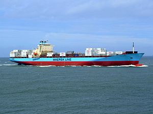 Laust Maersk p04 approaching Port of Rotterdam, Holland 14-Jul-2007.jpg