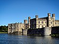 Leeds Castle, Kent, England-22May2010.jpg