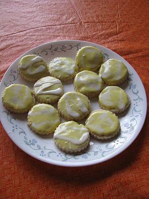 Royal icing - Image: Lemon shortbread cookies with lemon royal icing