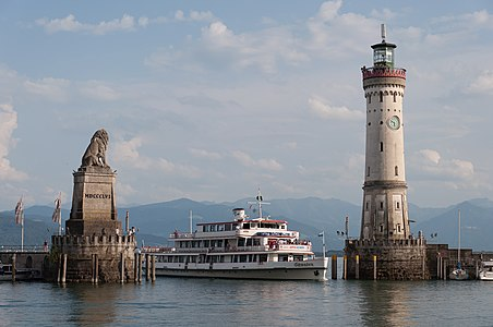 Harbor entrance in Lindau, with the Bavarian Lion, the New Lighthouse and the MS Schwaben.