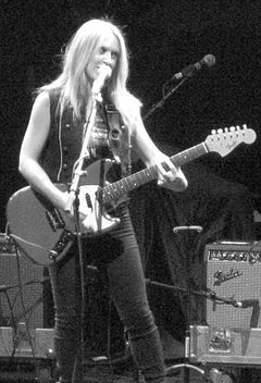 Liz Phair cropped.jpg