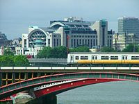 London blackfriars railway station.jpg