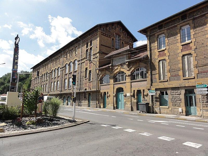 Longuyon (Meurthe-et-M.) école Louise Michel