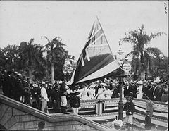 Lowering the Hawaiian flag at Annexation ceremony (PP-35-8-001).jpg