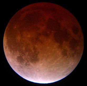 Tetrad (astronomy) - Image: Lunar eclipse November 2003 TLR63