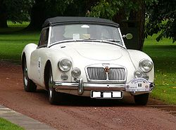 MG A 1600 Roadster white vr.jpg