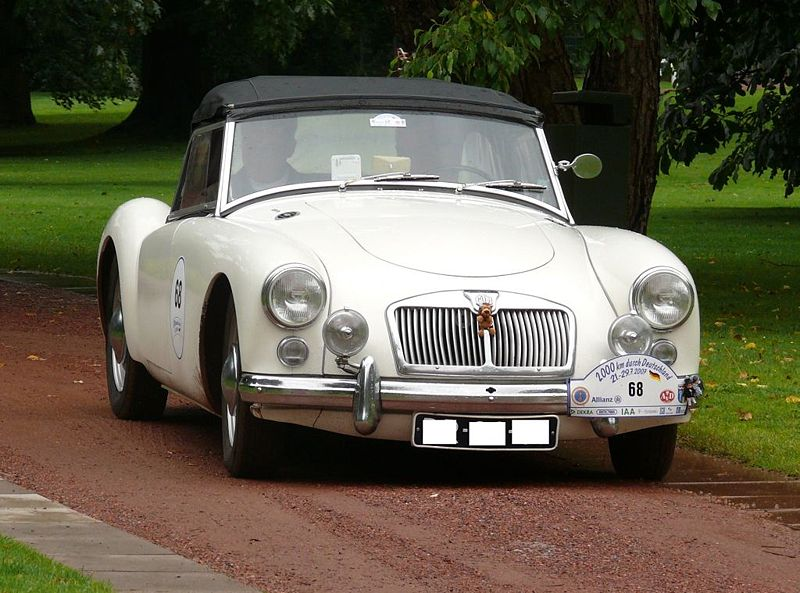 File:MG A 1600 Roadster white vr.jpg