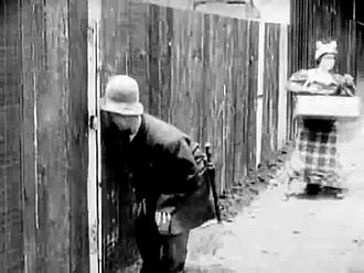 ファイル:Mabel's Busy Day (1914).webm