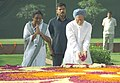 Manmohan Singh paying floral tributes the Deputy Prime Minister, Babu Jagjivan Ram on his 99th birth anniversary at Samata Sthal, in New Delhi. The Union Minister for Social Justice & Empowerment, Smt. Meira Kumar is also seen.jpg