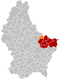 Map of Luxembourg with Beaufort highlighted in orange, the district in dark grey, and the canton in dark red