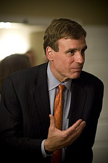 Mark Warner in Philadelphia, May 18, 2006, gesturing.jpg