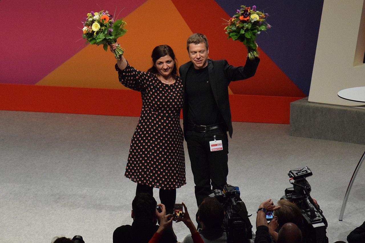 Martin Schirdewan und Özlem Demirel. Bonn, 2019.02.jpg