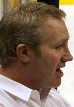 Description de l'image  Marty McSorley coaching USS Reagan team-Jan-8-09.jpg.