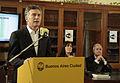 Mauricio Macri extiende el plan de wifi para bibliotecas públicas (7931395414).jpg