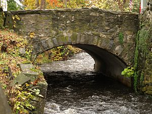 Meadows Road Bridge Over Paulins Kill (Lafayette, NJ).jpg