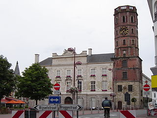 Menen - Town hall and belfry 1.jpg
