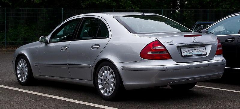 Mercedes-Benz E 400 CDI Elegance (W 211) %E2%80%93 Heckansicht, 16. Juni 2013, M%C3%BCnster.jpg