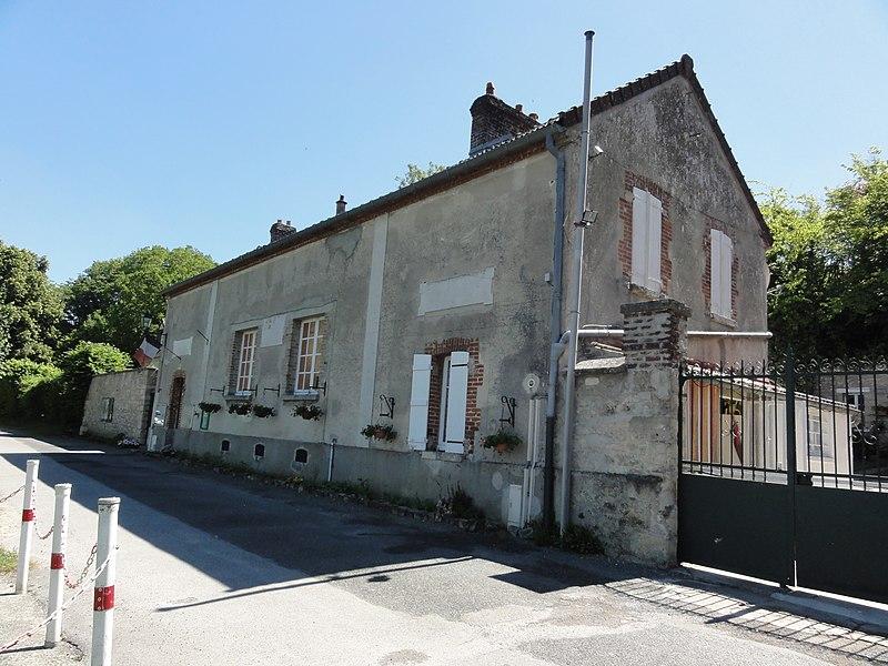 Merval (Aisne) école + mairie