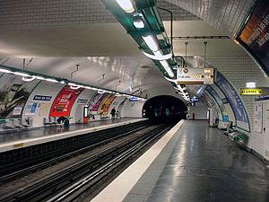 Place des Fêtes (Paris Métro) - Image: Metro de Paris Ligne 11 Place des Fetes 01
