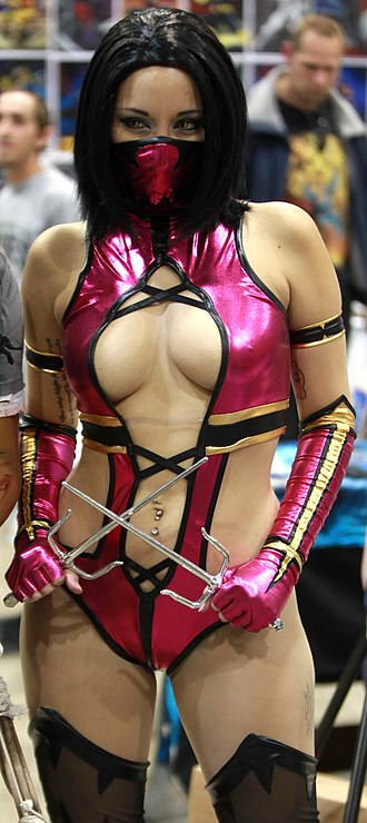 Mileena - Similar to Kitana and Jade, Mileena became a popular subject of cosplay. Pictured, Rosanna Rocha dressed as Mileena from Mortal Kombat at 2014's Amazing Arizona Comic Con