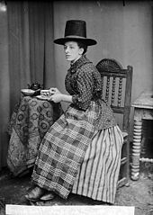 Miss Ada Davies, Bontuchel in national dress