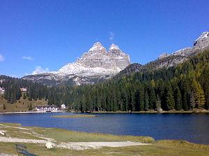 Cadore - Tre Cime di Lavaredo (Cadorino dialect: Tré Thìme) and Lake Misurina (Meśorìna)