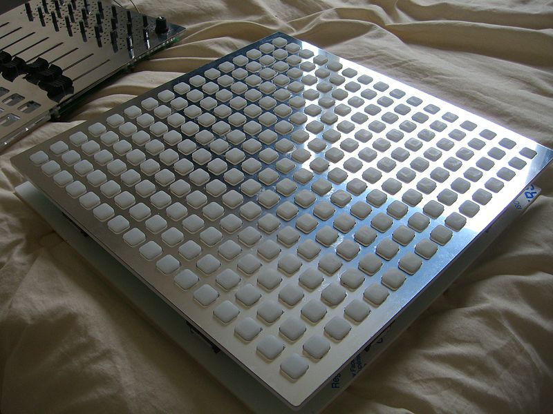 File:Monome 256 stainless top (2010-04-19 08.36.57 by c-g.).jpg