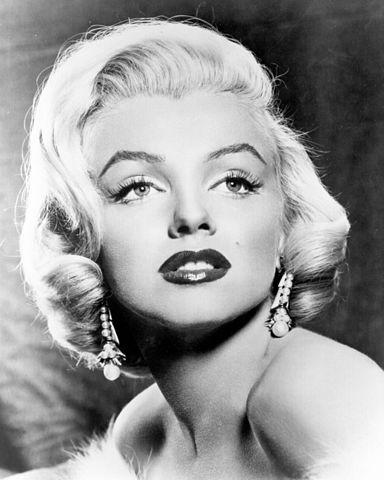 Промофото Мэрилин Монро для фильма «Джентльмены предпочитают блондинок» (1953)
