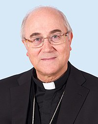 Mons. Gonzalez Montes (30279525684).jpg