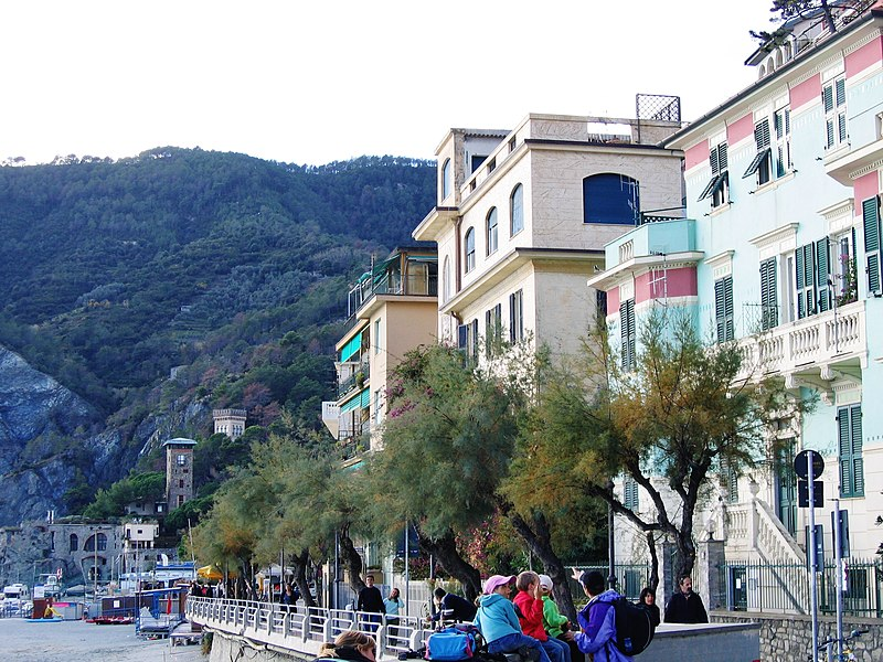 File:Monterosso - panoramio (24).jpg
