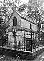 Montléart-Mausoleum BW.jpg