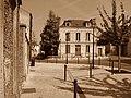 Montlhéry - Place de la Souché - 20120904 (1).jpg