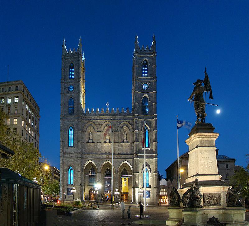 La basilique Notre-Dame de Montréal, chef-d'œuvre du patrimoine religieux de l'arrondissement de Ville-Marie à Montréal.  (définition réelle 2000×1818)