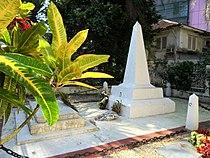 Monument funéraire des rois Bell.JPG