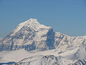 Mount Robson - Upper SE face seen from the Selwyn Range
