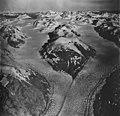 Muir Glacier, tidewater glacier junction and hanging glaciers, September 12, 1973 (GLACIERS 5715).jpg