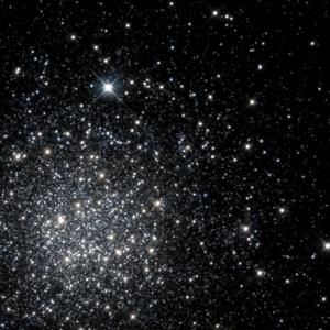 NGC 1466 - Image: NGC 1466 HST05897 01 R814GB555