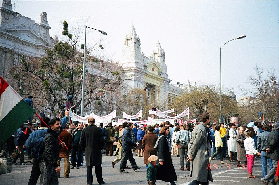 Nemzeti Ünnep - Szabadság tér 1989.03.15 (4)