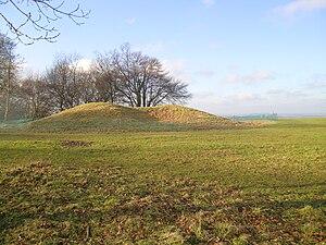 Oval barrow - Neolithic Barrow on Whiteleaf Hill, Monks Risborough, Bucks