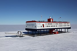 Neumayer III Station in December 2009