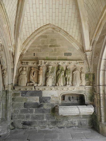 Porche sud de l'église Sainte-Noyale de Noyal-Pontivy (56). Costale intérieure est. Baptême du Christ par Saint-Jean-Baptiste